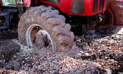 Patinage-pneu-tracteur-foret