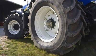 augmenter-la-taille-de-mes-pneus-de-tracteur.jpg